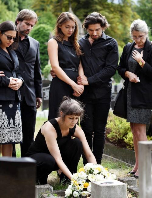 Sepoltura salma cimitero